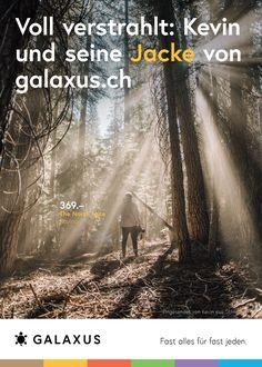 Voll verstrahlt: Kevin und seine Jacke von Galaxus #GalaxusLive #Werbung #Anzeige #Plakat #Inserat #Galaxus The North Face, Live, Movies, Movie Posters, Advertising Campaign, Jacket, Advertising, Poster, Films