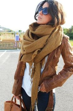 This is just beautiful! <3 #ootd #scarf