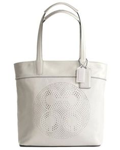 A #shoulder bag to have for the party