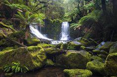 Horseshoe Falls by John Dekker