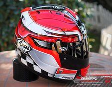 Aerografia Raer | arai especial carrera2 Ducati, Yamaha, Custom Motorcycle Helmets, Helmet Paint, Biker Gear, Helmet Design, Cars And Motorcycles, Riding Helmets, Hats