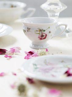 """Tradycyjny serwis """"Maria"""" w różanej odsłonie szwajcarskiej designerki Reguli Stüdli. #Rosenthal"""