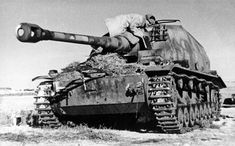 A rare picture of the unique prototype of the 105 mm mobile gun Pz.IVa Dicker Max (Thick Max) of Panzer Jaeger Abteilung Sfl. Designed on the basis of a heavily modified Pzkfw IV Ausf. E chassis, it looked like a heavy tank destroyer but its. Ww2 Panzer, Luftwaffe, Jagdpanzer Iv, Self Propelled Artillery, Ww2 Photos, Ww2 Pictures, Tank Destroyer, Armored Fighting Vehicle, Military Pictures