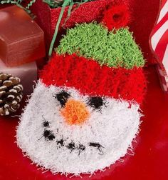 Scrubby Snowman Craft | These festive snowman scrubbies make cute gift ideas for friends.