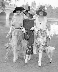 Ascot fashions, 1921 Art Print by Mirrorpix Easyart.com