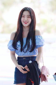 Seulgi, Basic Outfits, Kpop Outfits, Kpop Fashion, Korean Fashion, Asian Woman, Asian Girl, Red Velvet Photoshoot, Red Velvet Irene