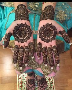 Mehndi design is one of the most authentic arts for girls. The ladies who want to decorate their hands with the best mehndi designs. Latest Bridal Mehndi Designs, Indian Mehndi Designs, Mehndi Designs For Girls, Wedding Mehndi Designs, Beautiful Mehndi Design, Stylish Mehndi Designs, Henna Tattoo Designs, Henna Tattoos, Mehandi Designs
