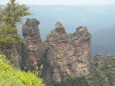 The 3 Sisters in the Blue Mountains. Blue Mountain, Monument Valley, Mount Rushmore, Sisters, Australia, Mountains, Nature, Travel, Naturaleza