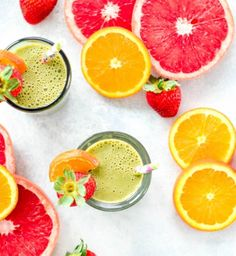This Citrus Protein Green Smoothie is the perfect healthy breakfast or snack. It's a plant-based, clean eating smoothie recipe that is packed with grapefruit, oranges, greens and protein! Coffee Protein Smoothie, Protein Smoothie Recipes, Weight Loss Smoothie Recipes, Healthy Green Smoothies, Healthy Breakfast Smoothies, Green Smoothie Recipes, Smoothie Drinks, Protein Breakfast, Smoothie Blender