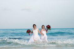 #bodasenlaplaya #beachweddings #partyboutiquecancun #lgbtweddingscancun #cancunbodas #prettyflowers