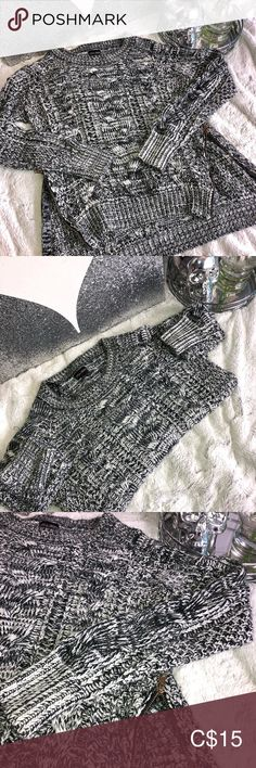 Cute cable knit sweater w. Gold zippers on side Grey, black and white cable knit sweater Gold zippers on both of the sides at the bottom Size s Sweaters Crew & Scoop Necks Online Clothing Stores, Cable Knit Sweaters, Zippers, Gray Color, Scoop Neck, Sweaters For Women, Black And White, Knitting, Grey