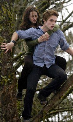 Twilight - Bella Swan & Edward Cullen (Kristen Stewart and Robert Pattinson)