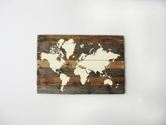 Pallet Board World Map | Creative Wood Wall Art Ideas You Can Do On Weekends