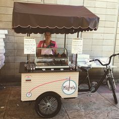 bicicleta triciclo de carga - Google Search Mini Pizzas, Food Truck, Pizza Station, Bicycle Cart, Food Cart Design, Bike Food, Container Shop, Coffee Carts, Food Trailer