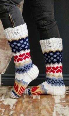 Sarah-sullavikat | Meillä kotona Fair Isle Knitting, Knitting Socks, Wool Socks, Marimekko, Leg Warmers, Textile Art, Mittens, Knit Crochet, Shoe Boots