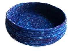 Purple blue batik coiled fabric bowl by LeahsHeart on Etsy Holiday Crochet Patterns, Making Baskets, Coil Pots, Fabric Bowls, Clothes Basket, Rope Crafts, Rope Basket, African Mud Cloth, Textiles