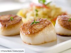 undefined Sauteed Scallops, Baked Scallops, Pan Seared Scallops, Sea Scallops, Fresh Scallops, Grilled Scallops, Cooking Scallops, Fish Recipes, Seafood Recipes