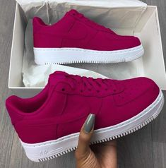 Discovered by maria leonidou. Find images and videos about shoes, nails and nike on We Heart It - the app to get lost in what you love. Snicker Shoes, Sneakers Fashion, Sneakers Nike, Girls Sneakers, Basket Style, Nike Shoes Air Force, Aesthetic Shoes, Adidas Shoes Women, Hype Shoes