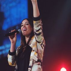All glory to JESUS! This is Annie Garratt and I really love what Jesus does through her! She's my favorite worship leader at Hillsong Church nowadays.. Love her way to lead worship, her voice, vocal technique and her personal style at her performances. I love all the songs she's ever sung with Hillsong Live band and I can say: how I love that time when she used to be a part of Hillsong United! May Jesus keeps blessing her!