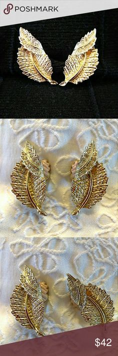 "Vintage Earrings SARAH COVENTRY* Mid Century SARAH COVENTRY* Makers of Quality Costume Jewelry... Beautiful Mint Condition GOLD LEAF & RHINESTONES.. Earrings.. Padded Clip Back..about 1"" long...1960s Sarah Coventry Jewelry Earrings"