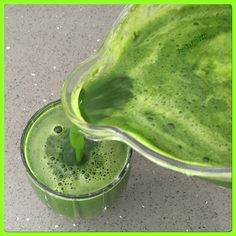 💚🍃🌞🌿Never gets old🍃🌞🌿💚Liquid Life! Ever Energy! Organic Recipes, Raw Food Recipes, Ethnic Recipes, Raw Vegan, Juicing, Getting Old, Punch, Drinks, Green