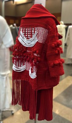 Katie Hyunkyung Sung, Look knitGrandeur®: FIT Future of Fashion Judging Day 2016 - Knitwear Part One Fashion Details, Look Fashion, Fashion Art, High Fashion, Womens Fashion, Fashion Trends, Fashion Photo, Textile Manipulation, Fabric Manipulation Fashion