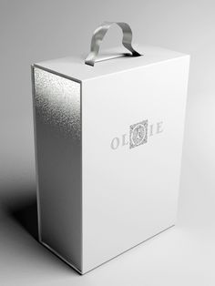 Box by Ivan Rogic, via Behance
