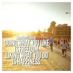 ... Sooooo, basically running is life! ❤️ ----- Pic by @michaello116 ----- #MonitortheBeat