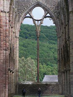 Amazing Architecture, Architecture Details, Gothic Architecture, Hogwarts, Window View, Through The Window, Chapelle, Interior Exterior, Kirchen