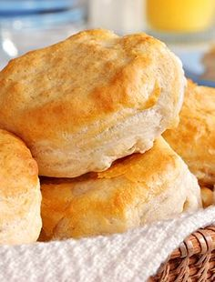 A classic easy biscuit recipe that will fill the house with sweet aromas of home cooking. Best Baking Powder Biscuits Recipe from Grandmothers Kitchen. Best Baking Powder, Baking Powder Biscuits, Buttermilk Biscuits, Fluffy Biscuits, Homemade Buttermilk, Angel Biscuits, Buttermilk Recipes, Kentucky Biscuits, Southern Biscuits