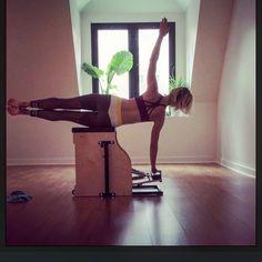G̤̈ö̤ö̤d̤̈ m̤̈ö̤r̤̈n̤̈ï̤n̤̈g̤̈ ö̤b̤̈l̤̈ï̤q̤̈ṳ̈ë̤s̤̈ ⛅️ __________________________________ @lolewomen #pilates #obliques #abs #fitmom #monday #motivationalmonday #lolewomen