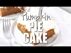 Pumpkin Pie Magic Cake only has 5 ingredients but it tastes completely homemade! It tastes like it is part pumpkin pie and part spice cake! Topped with vanilla frosting. Pumpkin Recipes, Cake Recipes, Dessert Recipes, Bread Recipes, Diet Recipes, Recipies, Pumpkin Pie Cake, Pumpkin Pies, Spice Cake Mix