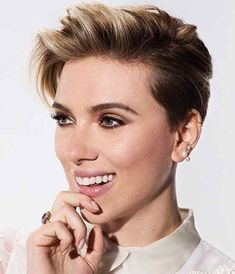 50 adorable long pixie cut ideas - Hairstyle Fix Big Short Hair, Short Cropped Hair, Short Hair Cuts, Long Pixie Cuts, Short Pixie, Asymmetrical Pixie, Pixie-cut Lang, Crop Hair, Funky Hairstyles