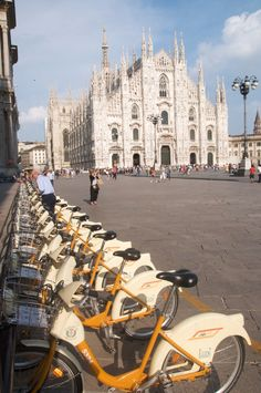 Milano bicicletta -- a lovely Italian word, so fun to say.