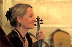 Kristina Naudé Mezzosopran) Violin, Music Instruments, Drop Earrings, Visual Arts, Musical Instruments, Drop Earring