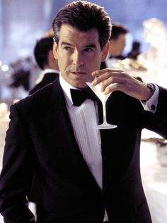 Pierce Brosnin - Sexy & Sophisticated