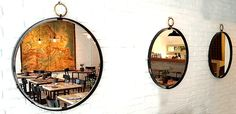 lo specchio bottega è una edizione limitata realizzata per il famoso ristorante la bottega nel centro di ginevra. lo specchio in stile industriale SESTINI E CORTI