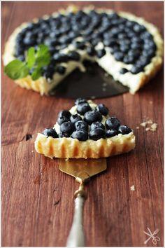 little.empty.room: FOODFEVER . blaubeer tarte