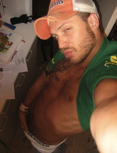 Tom Hardy- old My Space pic___umm