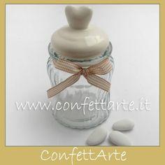 Barattolo in vetro con coperchio cuore in ceramica.