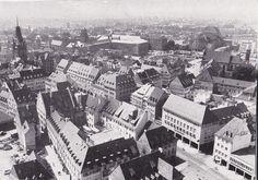 Innenstadt Anfang der 1950er - Schönes Bild der Freiburger City von oben. Ecke Kaiser-Joseph-Str. & Rathausgasse. Circa Anfang der 1950er Jahre.  Vielen Dank für dieses Bild an unseren Facebook-Fan Tina Bächle.  /*  */