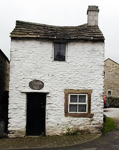 Thimble Hall, Derbyshire, England. Nineteenth century. Smallest detached house in the world. Measures at 11'x12'