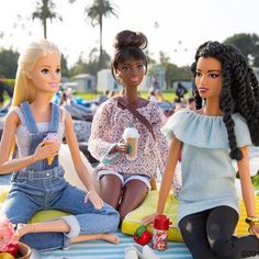 Movie night! A summer screening at @cinespia makes for the perfect girl's night out!  #CinespiaPicnic #Cinespia #barbie #barbiestyle