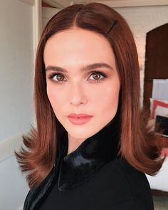 Mane Addicts The Top Fall Hair Trends You& See Everywhere Olivia Culpo, Inspo Cheveux, Fall Hair Trends, Zoey Deutch, Hair Flip, Hollywood Glamour, Mode Inspiration, Hairstyles With Bangs, Hair Inspo