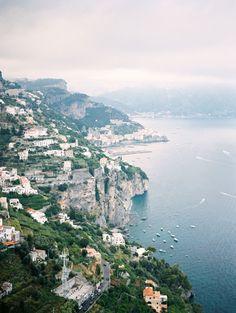 Love and Lemons on the Beautiful Amalfi Coast   Photography: Julia Kaptelova