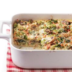 Vegetable Lasagna by Better Homes and Gardens. This delicious white lasagna is packed with vegetables, keeping it healthy and making it a hearty vegetarian meal. Using no-boil pasta noodles helps cut down on preparation time. Quick Recipes, Healthy Dinner Recipes, Vegetarian Recipes, Cooking Recipes, Pasta Recipes, Healthy Dinners, Delicious Meals, Vegetarian Lasagne, Veggie Dinners