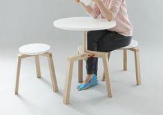 Takka: Table et tabourets par Agnieszka Mazur
