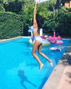 Costumi da bagno e bikini leggings calze e collant - Costumi piscina calzedonia ...