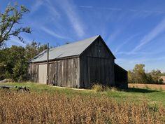 A beautiful antique barn, this one near Chester. Photo courtesy of Christopher Martin. Randolph County, Chester, Illinois, Trail, Shed, Barn, Outdoor Structures, Autumn, Antiques