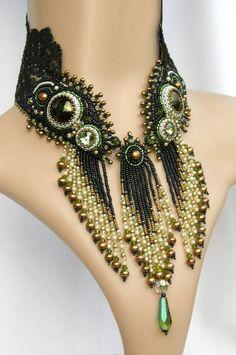 Not soutache but I just LOVE the style! Seed Bead Jewelry, Bead Jewellery, Beaded Jewelry, Handmade Jewelry, Beaded Necklaces, Handmade Necklaces, Bead Embroidery Jewelry, Beaded Embroidery, Embroidery Bracelets